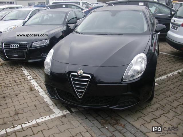 2012 Alfa Romeo  Giulietta 1.6 JTD Progression stop & start / PDC / Pr Limousine New vehicle photo