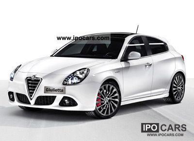 2012 Alfa Romeo  Giulietta 1.4 * SUPER * XENON * KURVENLCHT DT.ALFA H S Small Car New vehicle photo