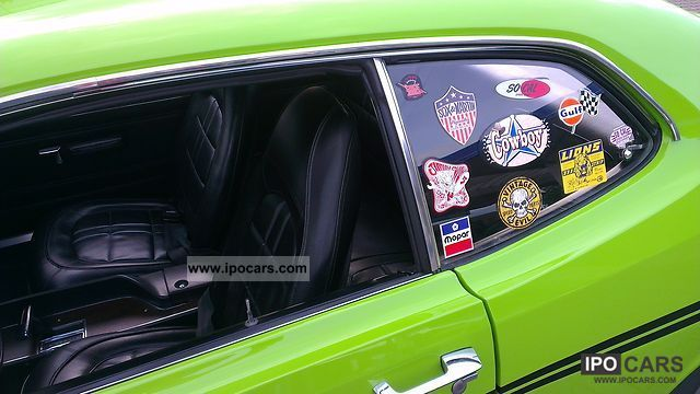 1970 plymouth duster car photo and specs. Black Bedroom Furniture Sets. Home Design Ideas
