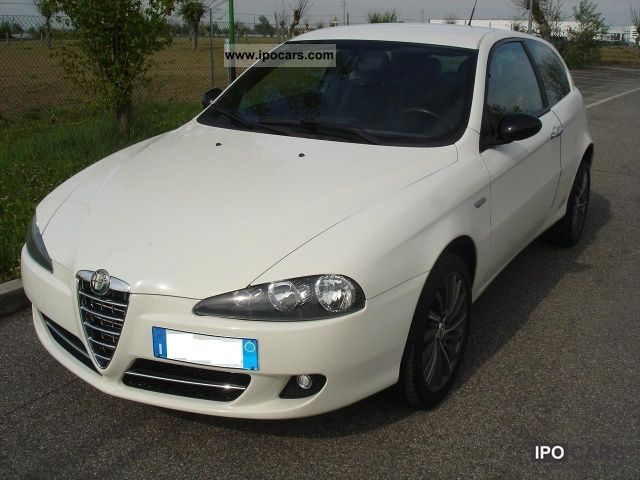 2008 Alfa Romeo  147 1.9 JTD (120) 3 porte C'N'C Limousine Used vehicle photo