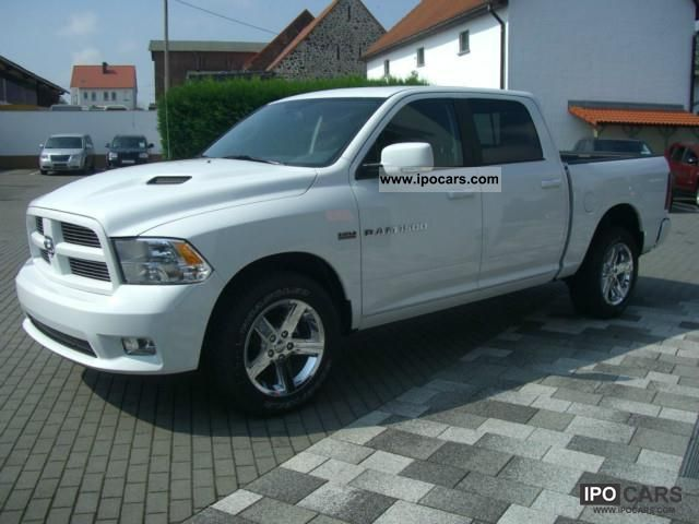 2012 dodge ram 5 7 hemi crewcab 4x4 car photo and specs. Black Bedroom Furniture Sets. Home Design Ideas