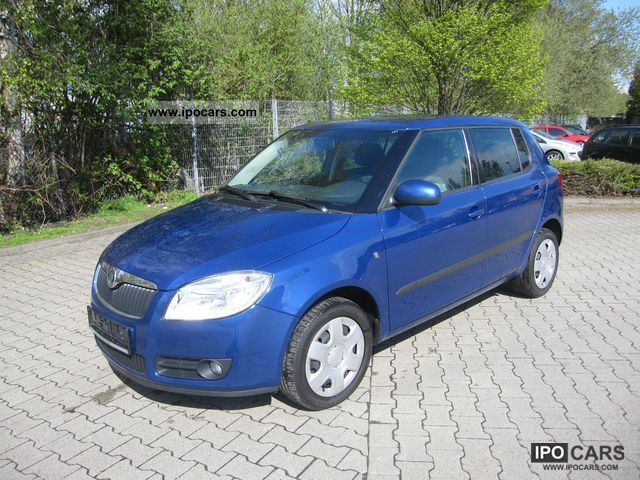2009 Skoda  Fabia 1.2 HTP COOL Edition with climate Small Car Used vehicle photo