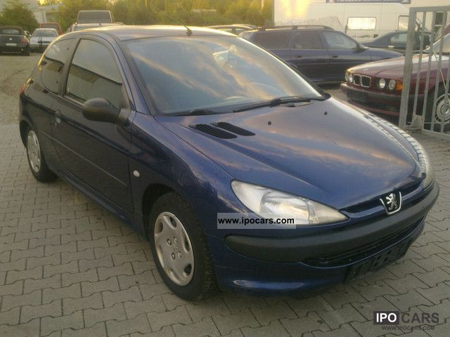 2001 Peugeot  206 Small Car Used vehicle photo