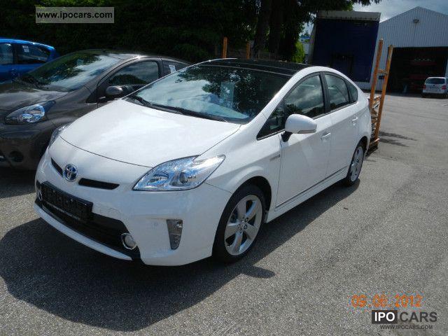 2012 Toyota  Prius 1.8 VVT-i Life Limousine Pre-Registration photo