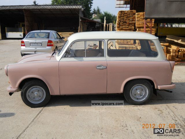 1962 trabant 500 kombi car photo and specs. Black Bedroom Furniture Sets. Home Design Ideas