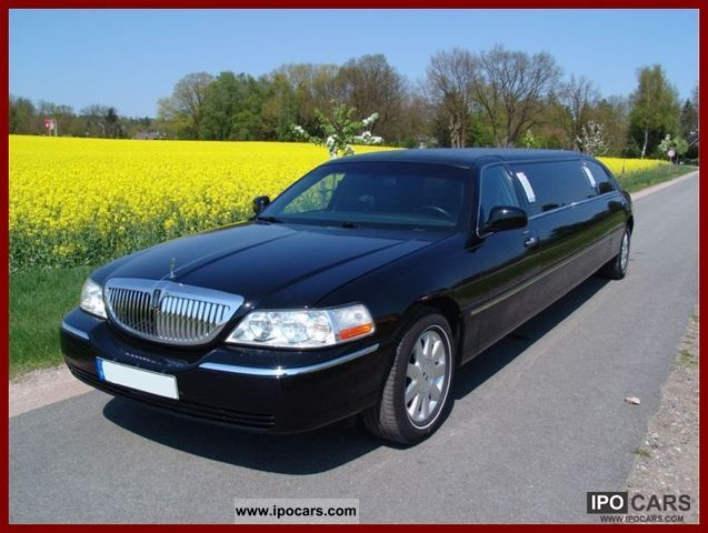 2012 Lincoln  Stretch Limousine Limousine Used vehicle photo