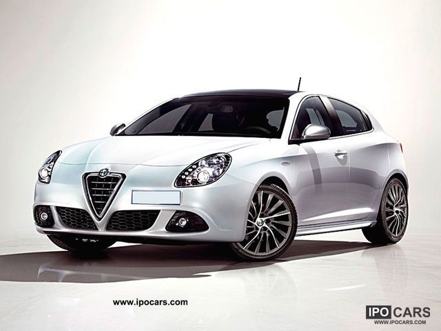 2012 Alfa Romeo  Giulietta 1.4 MultiAir Turbo Distinctive Limousine Pre-Registration photo