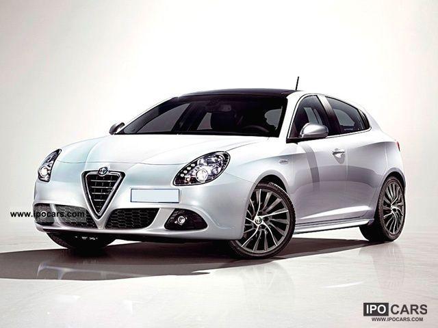 2012 Alfa Romeo  Giulietta 1.6 JTDm CV-2 105 Distinctive Limousine Pre-Registration photo
