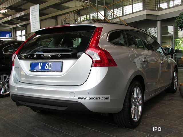 2012 volvo v60 d4 momentum sitzheizung pdc air navigation car photo and specs. Black Bedroom Furniture Sets. Home Design Ideas