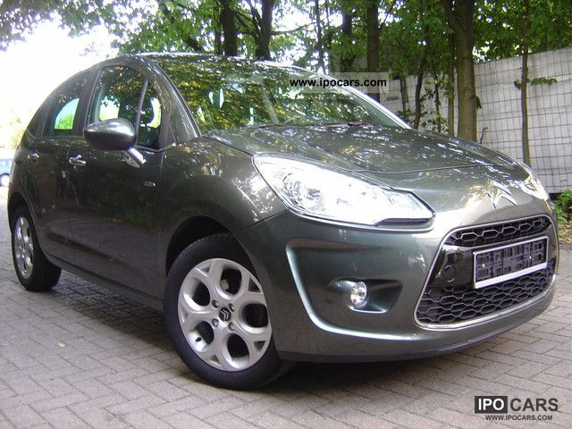 2010 Citroen  Citroën C3HDiExclusivePanorama Klimaau + + PDC + Hi-Fi + Alcanta Small Car Used vehicle photo