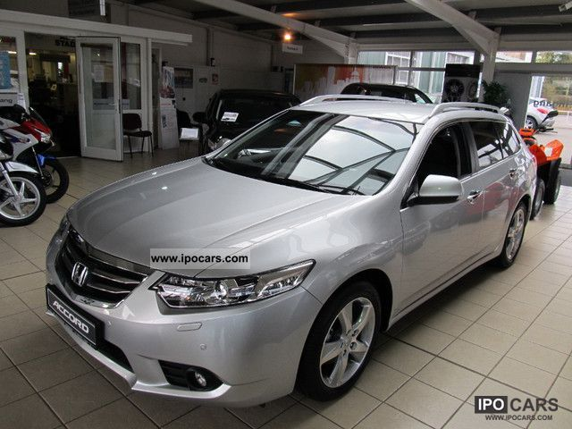 2012 honda accord tourer 2 0 eleg 50 years edition new car photo and specs. Black Bedroom Furniture Sets. Home Design Ideas