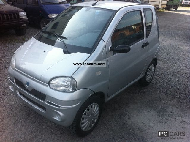 2006 Piaggio  M 500 Exclusive 45 km / h Small Car Used vehicle photo