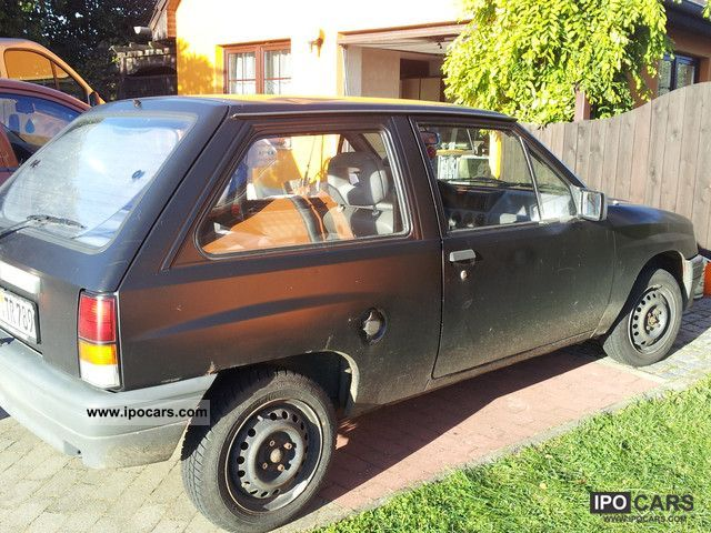 1992 Opel  Corsa Small Car Used vehicle photo