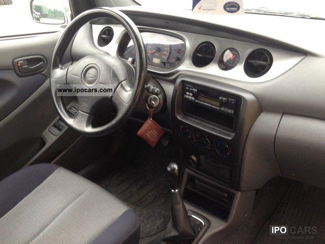 Yrv Turbo 4wd 2012 Daihatsu Yrv 1.3 4wd