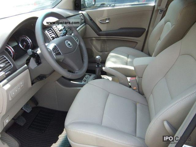 2012 Ssangyong Korando 2.0 e-XDi beige Sapphire DPF 4WD, leather, Off ...