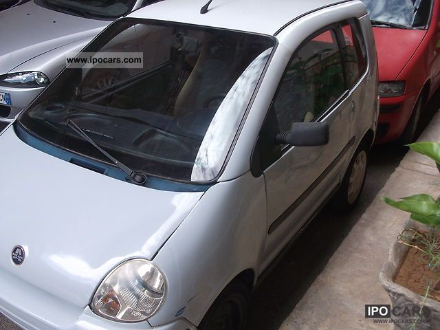 2000 Aixam  aixam grigio chiaro Small Car Used vehicle photo