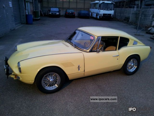 Triumph  GT 6 + 1969 Vintage, Classic and Old Cars photo