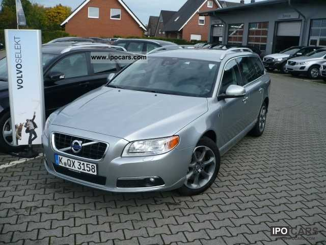 2012 Volvo  V70 D3 Geartronic Ocean Race ** SRP 45,220.00 ** Estate Car Demonstration Vehicle photo