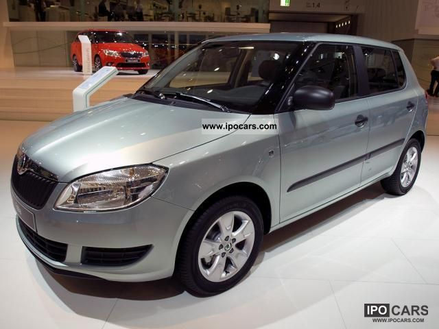 2012 Skoda  Fabia sedan to 32% discount from German ... Limousine New vehicle photo