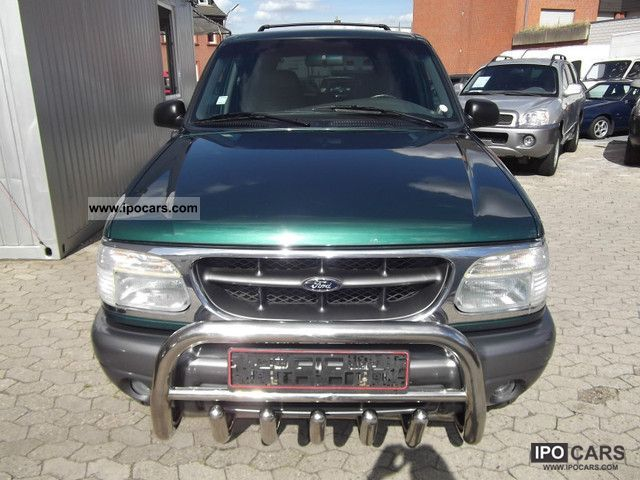 2004 Ford  Explorer Automatic, Leather Off-road Vehicle/Pickup Truck Used vehicle photo