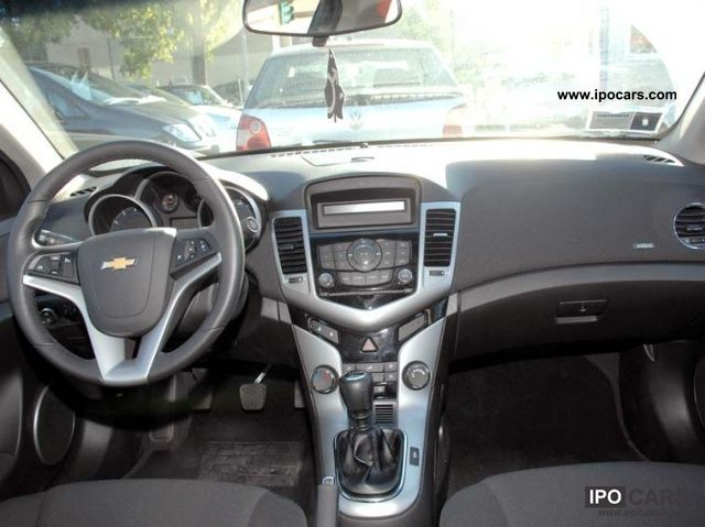 Hqdefault also B F E Cfb Mp as well Geneva Chevrolet Cruze Hatchback Live Photos furthermore Chevrolet Cruze Lt Hatchback Diesel Review Photos Autonation also Chevrolet Cruze Lt Porte Gpl Lgw. on chevrolet cruze hatchback