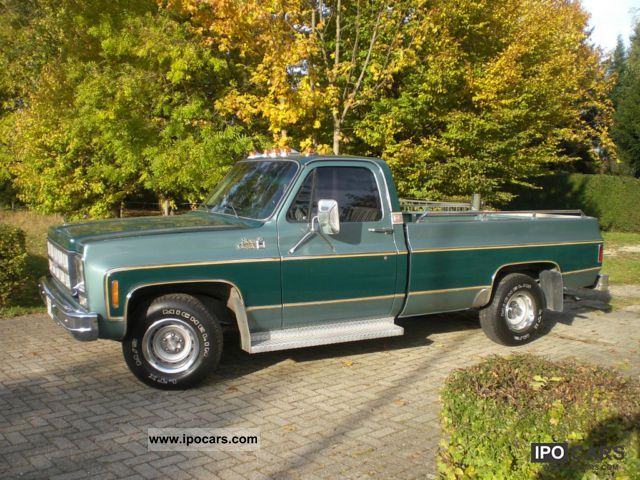 GMC  Sierra 1977 Vintage, Classic and Old Cars photo