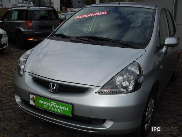 2004 Honda  JAZZ 1.4 CVT automatic iLS Limousine Used vehicle photo