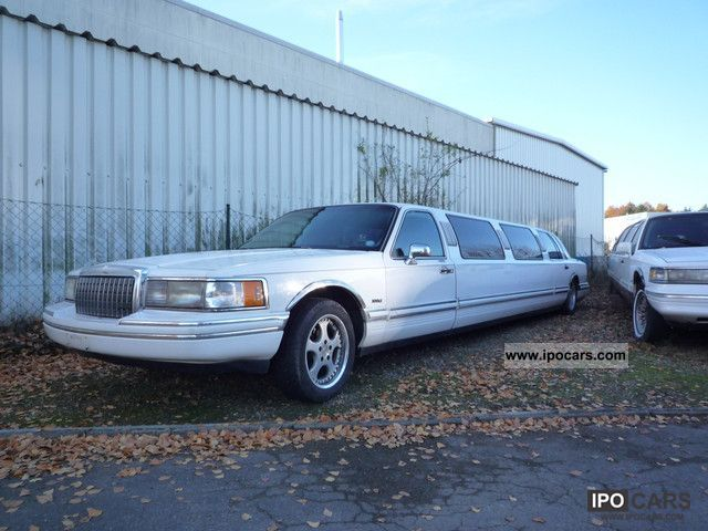 1994 Lincoln  Stretch Limousine \ Limousine Used vehicle photo