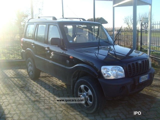 2009 Mahindra  Goa 2.5 CRDE 4WD DX Autocarro Off-road Vehicle/Pickup Truck Used vehicle photo