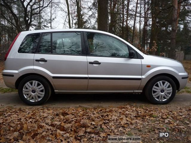 2003 Ford  Merger Small Car Used vehicle photo