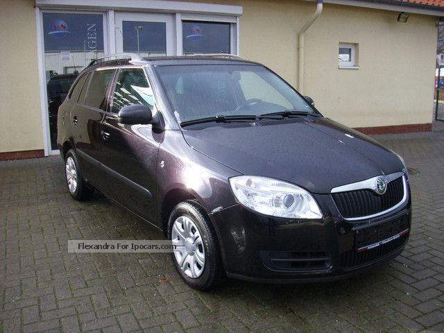 2009 skoda fabia combi 1 4 16v style edition car photo and specs. Black Bedroom Furniture Sets. Home Design Ideas