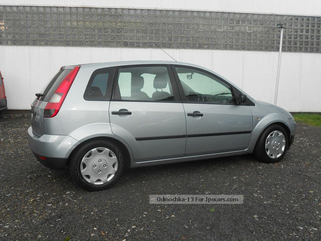 2004 Ford  Fiesta 1.4 5-door Futura Air Navi Euro 4 Small Car Used vehicle photo