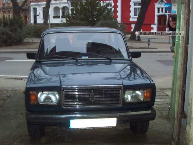 lada  classic   car photo  specs