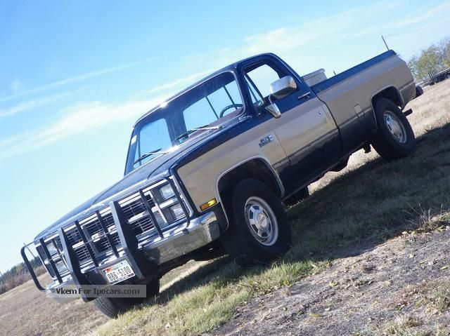 1984 GMC  2500 High Sierra / Chevrolet Silverado C10 Off-road Vehicle/Pickup Truck Used vehicle photo
