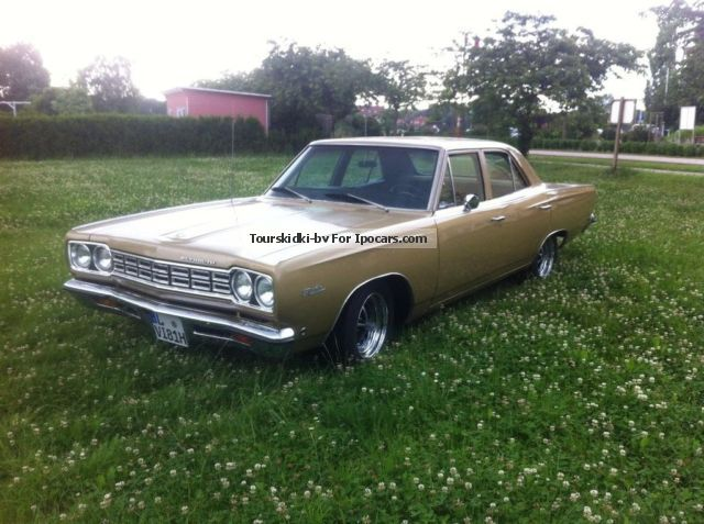 Plymouth  Satellite 4-door Sedan 1968 Vintage, Classic and Old Cars photo