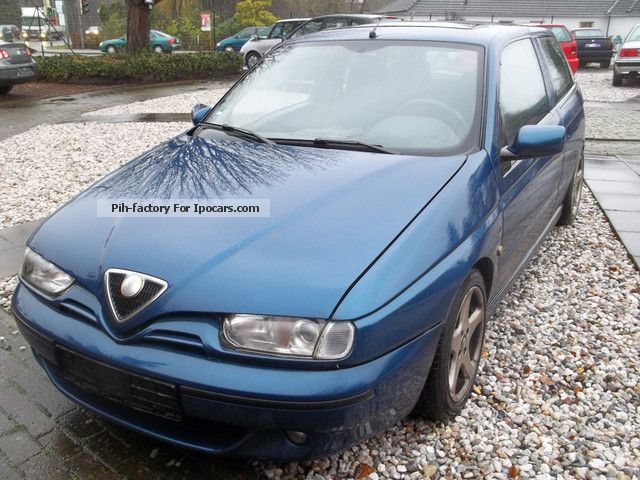2012 Alfa Romeo  Alfa 145 1.4 Twin Spark ORIGINAL 120TKM Saloon Used vehicle photo