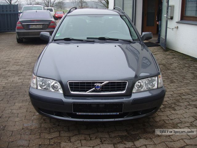 2004 Volvo  V40 1.8 Edition & well maintained & new service! Estate Car Used vehicle photo