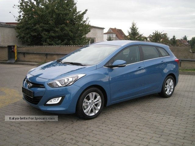 2012 Hyundai  i30 1.6 CRDi INTRO EDITION GERMAN VEHICLE Estate Car New vehicle photo