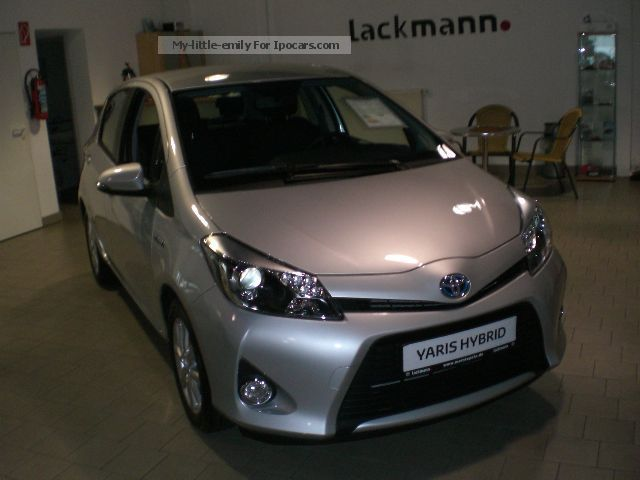 Toyota  Hybrid Yaris 1.5 VVT-i Life with design package and 2012 Hybrid Cars photo