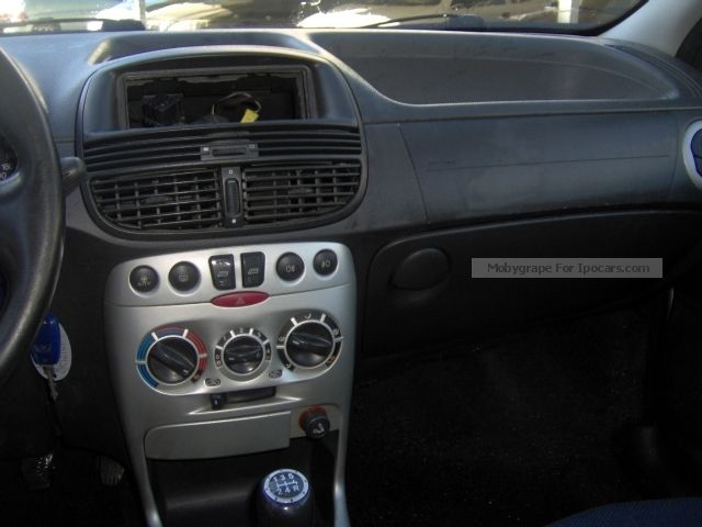 2003 Fiat Punto 1.9 jtd sporting Small Car Used vehicle photo 5