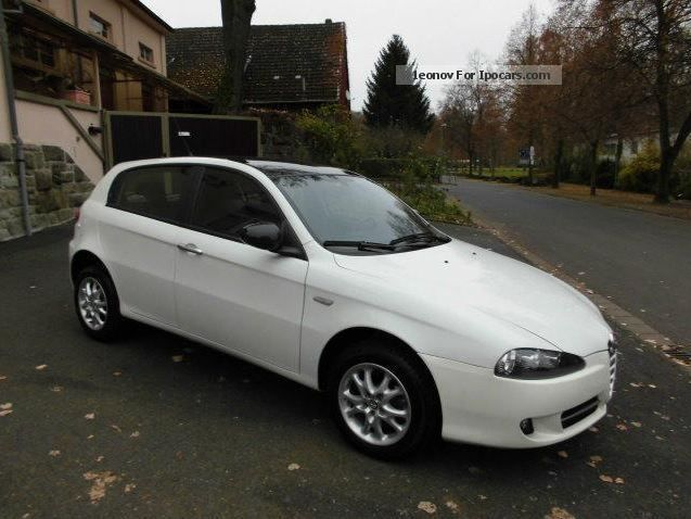 2010 alfa romeo alfa 147 1 9 jtdm car photo and specs. Black Bedroom Furniture Sets. Home Design Ideas