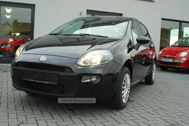 2012 fiat punto 1 2 8v 199 easy air conditioning car. Black Bedroom Furniture Sets. Home Design Ideas