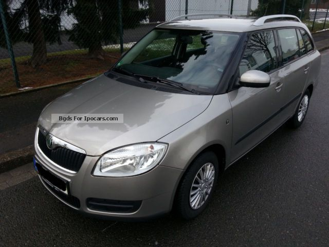 2008 skoda fabia 1 2 htp combi ambience car photo and specs. Black Bedroom Furniture Sets. Home Design Ideas