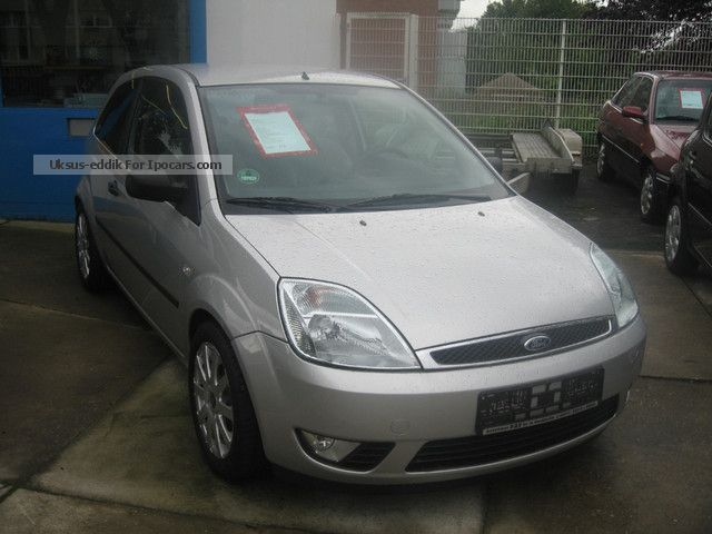 2004 Ford  Fiesta 1.4 Ghia AIR CONDITIONING, ALLOY WHEELS, SPOILER Small Car Used vehicle photo