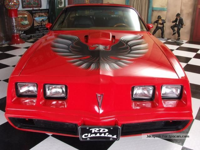 2012 pontiac trans on 6 6 liter v8 car photo and specs. Black Bedroom Furniture Sets. Home Design Ideas