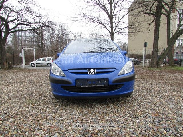 2012 Peugeot  307 1.6 16V 110 Tendance Saloon Used vehicle photo