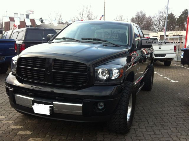 2012 dodge ram 1500 car photo and specs. Black Bedroom Furniture Sets. Home Design Ideas