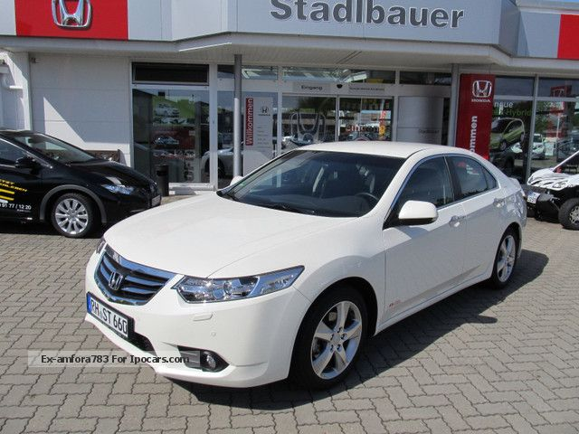 2012 Honda  Accord 2.0 Automatic Eleg. Lifestyle DVD Navi Saloon Demonstration Vehicle photo