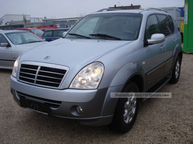 2010 ssangyong rexton car photo and specs. Black Bedroom Furniture Sets. Home Design Ideas