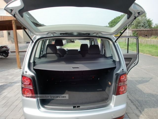 2007 volkswagen touran 1 9 tdi dpf conceptline car photo and specs. Black Bedroom Furniture Sets. Home Design Ideas